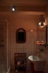 agrokotlina_agroturystyka siedlisko w kamieńczyku_łazienka różowa